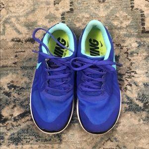 Nike barefoot ride!